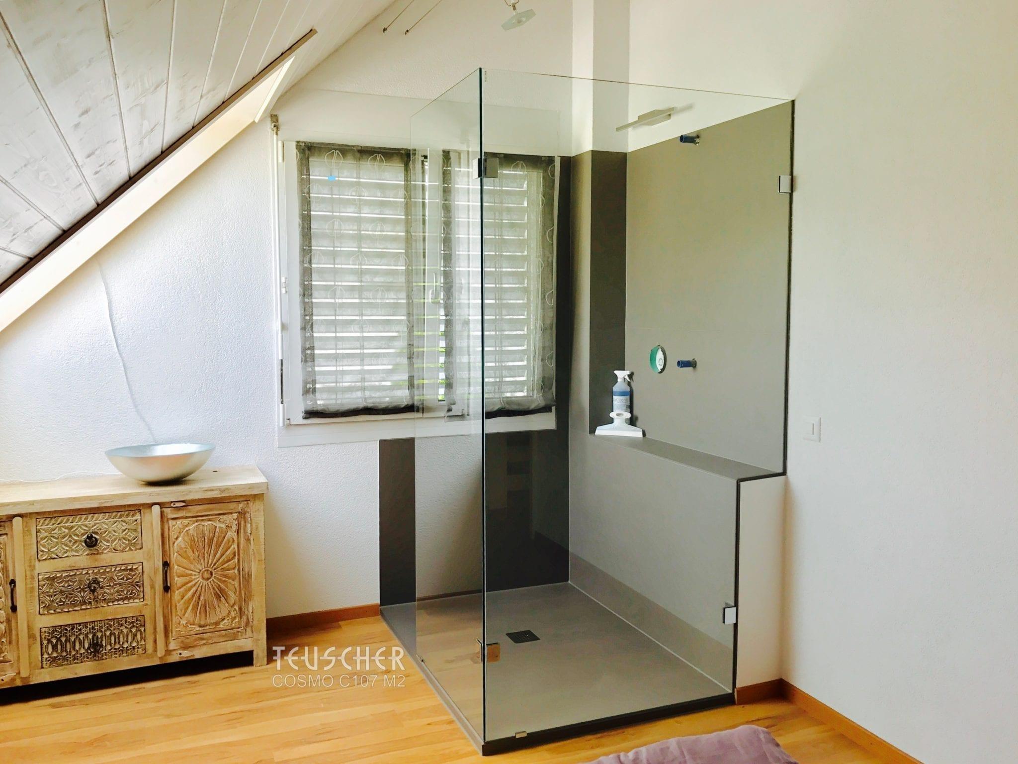 Modernes Badezimmer im Altbau.