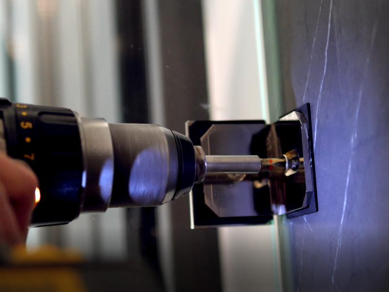 Türbänder sind vielgefragte Ersatzteile für Glasduschen