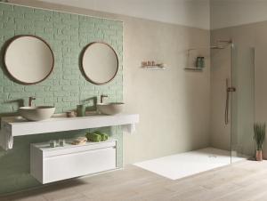 Analoge Farbgestaltung im Badezimmer: Naturfarben Pastellgrün und Braun.