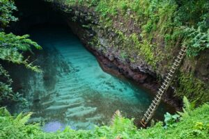 Vielleicht der schönste Naturpool der Südsee: To Sua Ocean Trench in Samoa.