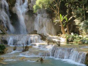 Die schönsten Wasserfälle der Welt: der Kuang Si in Laos gehört mit Sicherheit dazu.